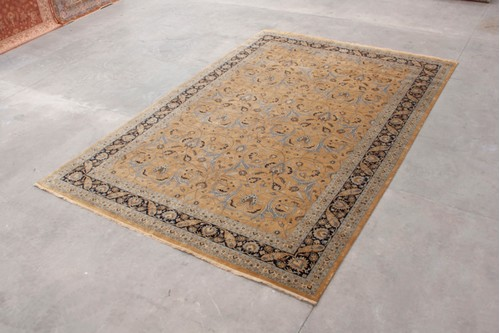 100% Wool Gold Very Fine Indo Persian Rug Design IPF035003 Handknotted in India with a 12mm pile