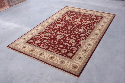 100% Wool Red Indo Persian Keshan IPZ035070 Handknotted in India with a 15mm pile