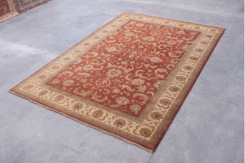 100% Wool Rust Indo Persian Keshan IPZ035074 Handknotted in India with a 15mm pile
