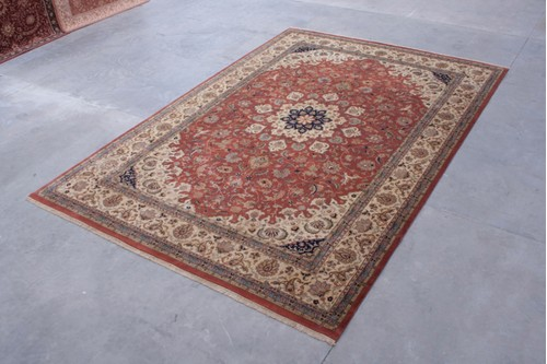 100% Wool Rust Indo Persian Meshed Rug IPM035C00 Handknotted in India with a 20mm pile