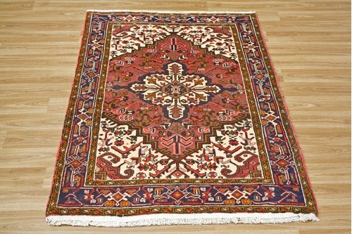 100% Wool Red Persian Heriz Rug HER014000 1.35 x .96 Handknotted in Iran with a 14mm pile