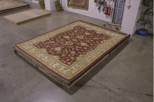 100% Wool Red Indo Agra Rug Handknotted in India with a 20mm pile