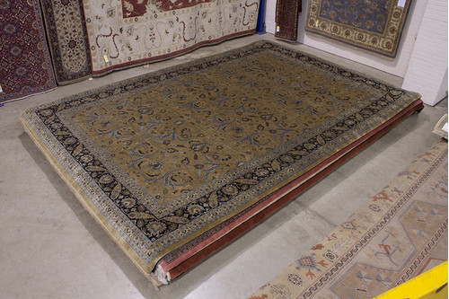 100% Wool Gold Fine Indo Persian Rug Handknotted in India with a 20mm pile