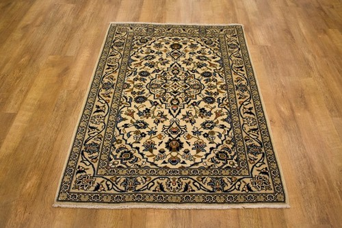 100% Wool Cream Persian Kashan Rug KES014044 145 x 102 Handknotted in Iran with a 15mm pile