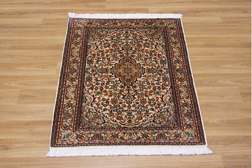 100% Silk Cream Kashmiri Silk Rug KSK006075 .94 x .63 Handknotted in Kashmir with a 5mm pile