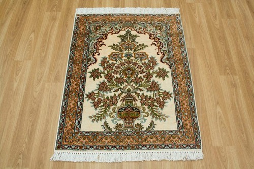 100% Silk Cream Kashmiri Silk Rug KSK006094 91 x 65 Handknotted in Kashmir with a 5mm pile