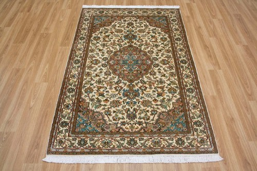 100% Silk Cream Kashmiri Silk Rug KSK013075 155 x 95 Handknotted in Kashmir with a 5mm pile