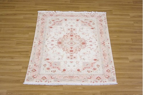 100% Wool Cream Persian Tabriz Rug PTA014FIN 1.49 x 1.03 Handknotted in Iran with a 10mm pile
