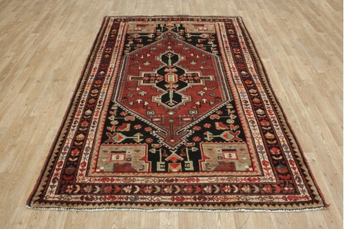 Persian Hamadan design rug. 100% Wool pile handknotted in Iran.