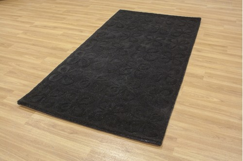 100% Wool Black Retro Rug Design Handmade in India with a 18mm pile
