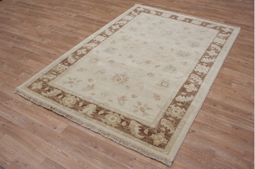 100% Wool Cream Indo Zeigler Rug Design IVE054 Handknotted in India with a 15mm pile