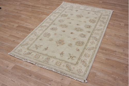 100% Wool Cream Indo Zeigler Rug Design IVE075 Handknotted in India with a 15mm pile