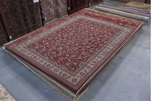 100% Wool Red Kashmir Woven Rug Design Machine Woven T5 Grade in Belgium with a 10mm pile
