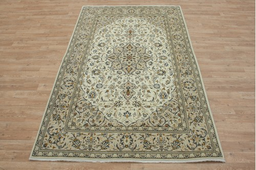 100% Wool Cream coloured Persian Kashan Rug KES019044 221x136 Handknotted in Iran with a 18mm pile