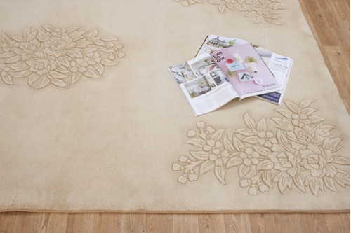 100% Wool Beige Plain Carved Chinese. Handknotted in China with a 25mm pile