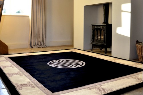 100% Wool Black Premier Superwashed Chinese Rug Design Handknotted in China with a 25mm pile