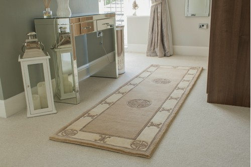 100% Wool Beige Premier Superwashed Chinese Rug Design Handknotted in China with a 25mm pile