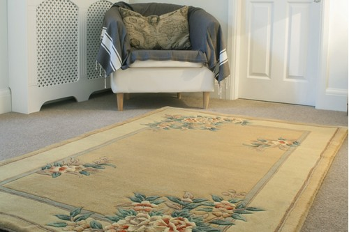 100% Wool Gold Premier Superwashed Chinese Rug Design Handknotted in China with a 25mm pile