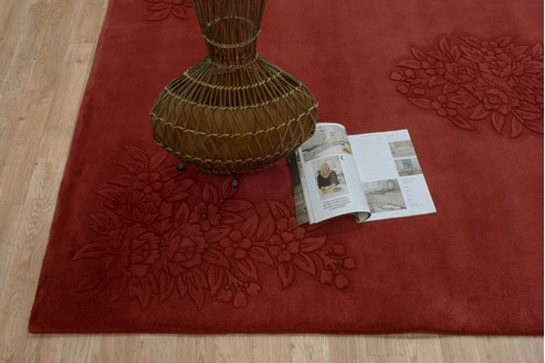 100% Wool Red Plain Carved Chinese. Handknotted in China with a 25mm pile