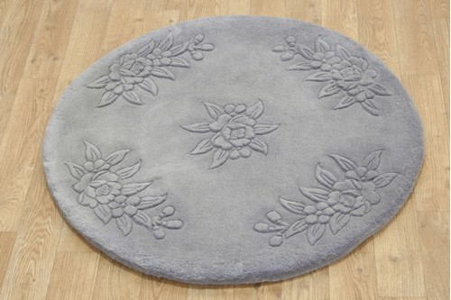 100% Wool Grey Plain Carved Chinese. Handknotted in China with a 25mm pile
