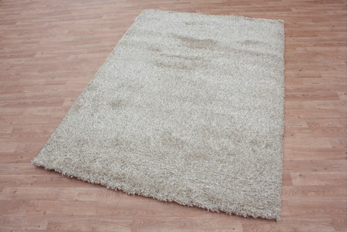 100% Polypropylene Beige Lippa Polypropylene Shaggy Rug Machine Made in Belgium with a 40mm pile