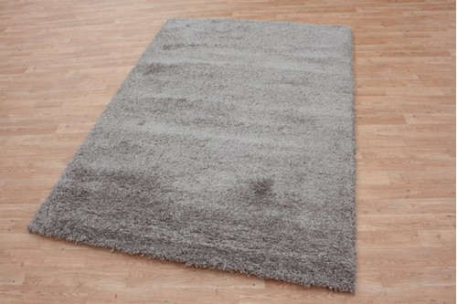 100% Polypropylene Grey Lippa Polypropylene Shaggy Rug Machine made in Belgium with a 40mm pile